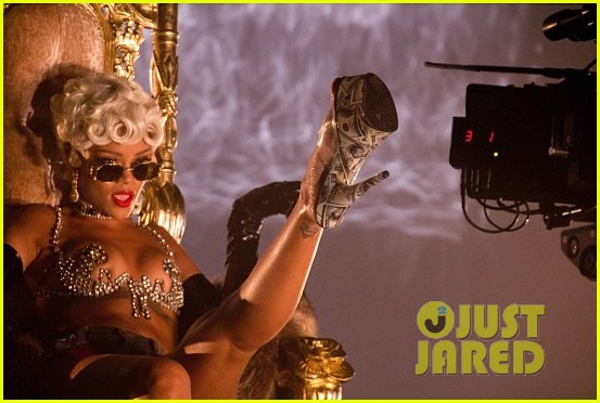rihanna more pour it up behind the scenes video 112963812