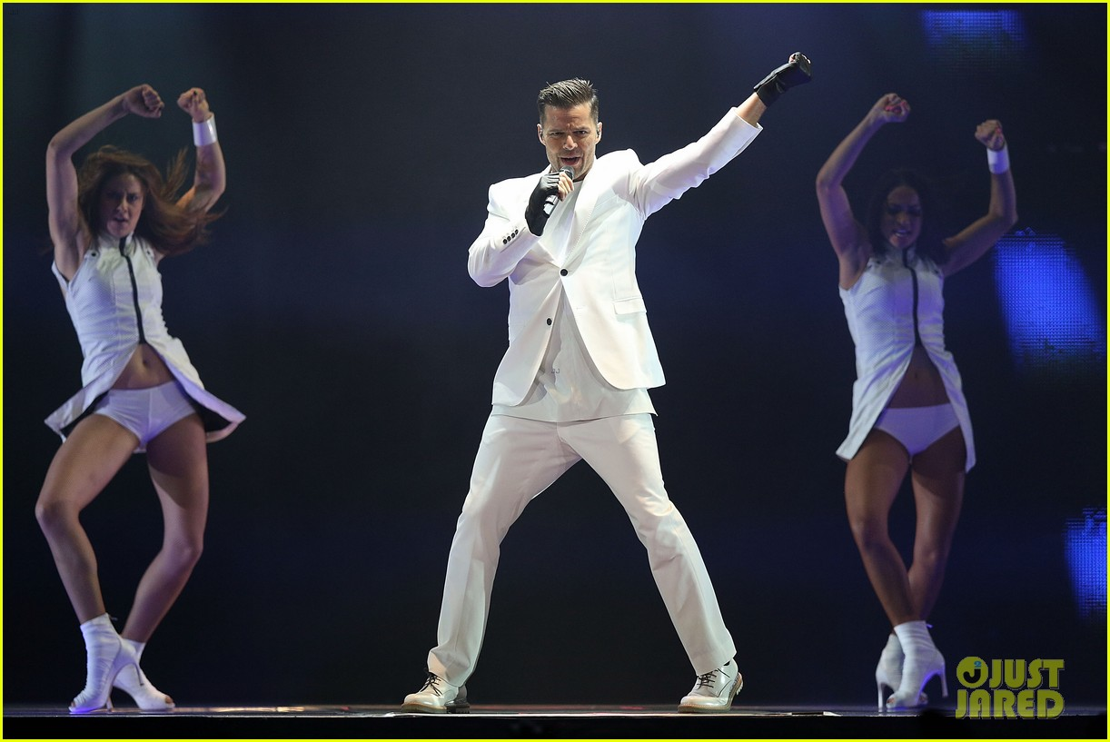 ricky martin hits the stage in australia 052966739