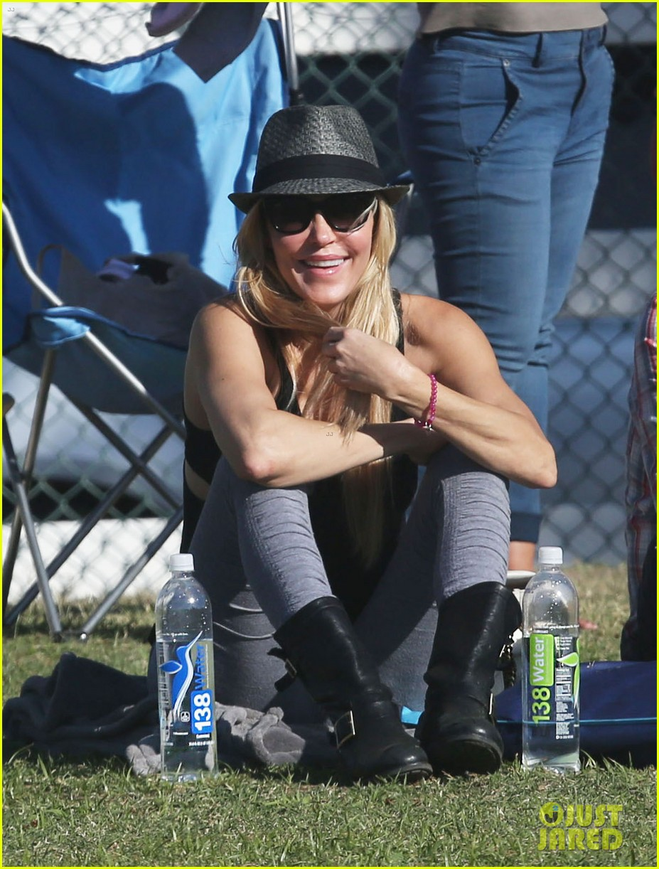 leann rimes eddie cibrian eat in n out at soccer game 07
