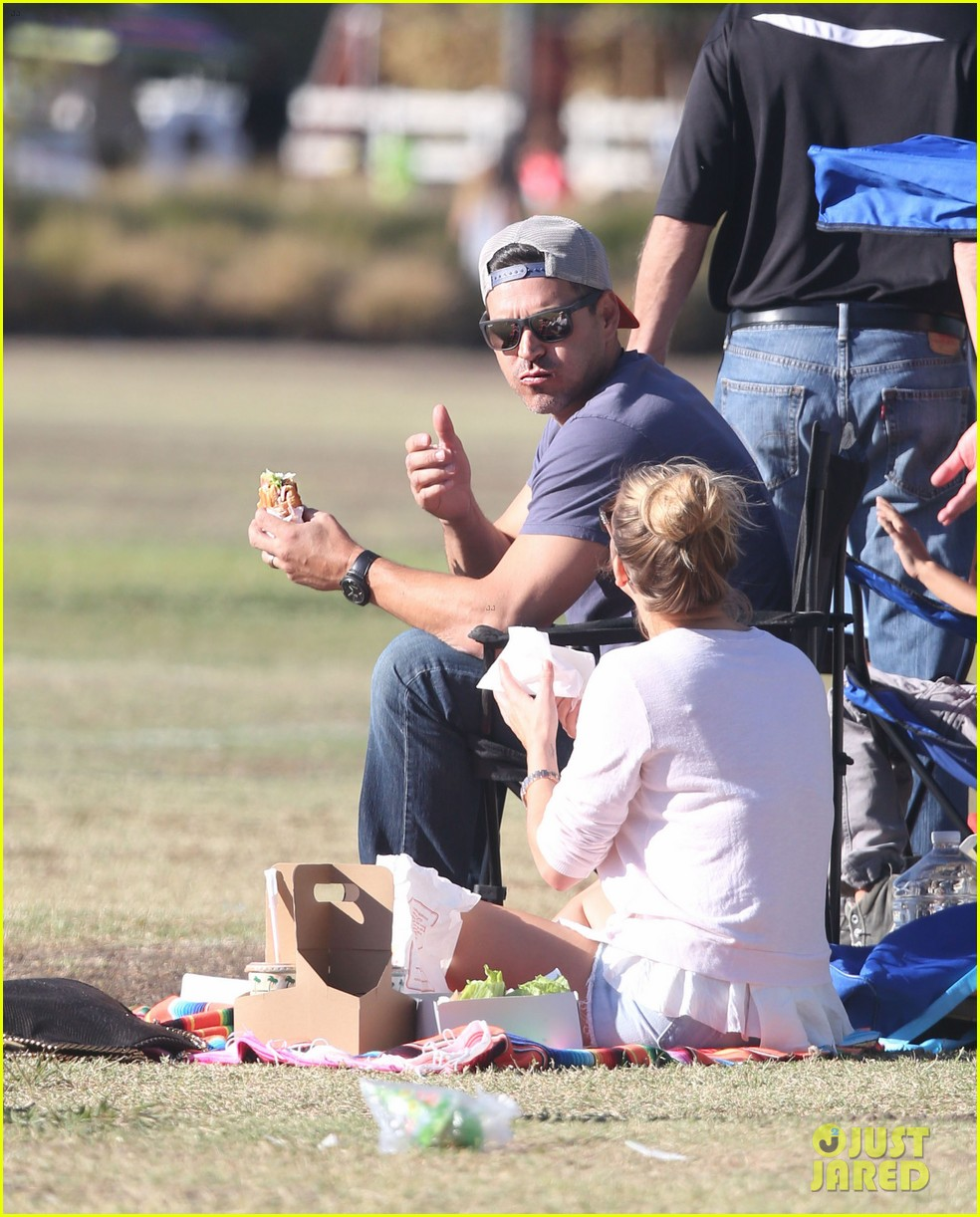 leann rimes eddie cibrian eat in n out at soccer game 082971022