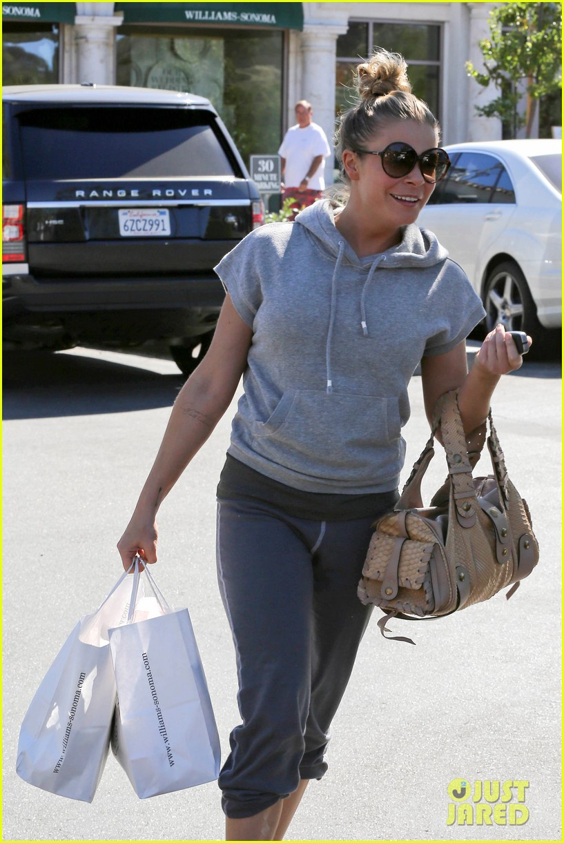 leann rimes embraces fall goes on pumpkin spree 082967391