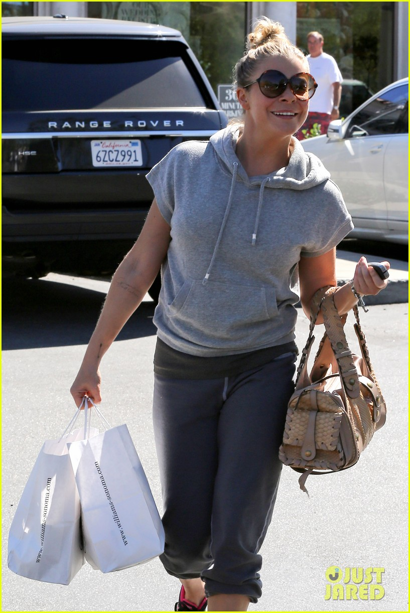 leann rimes embraces fall goes on pumpkin spree 112967394