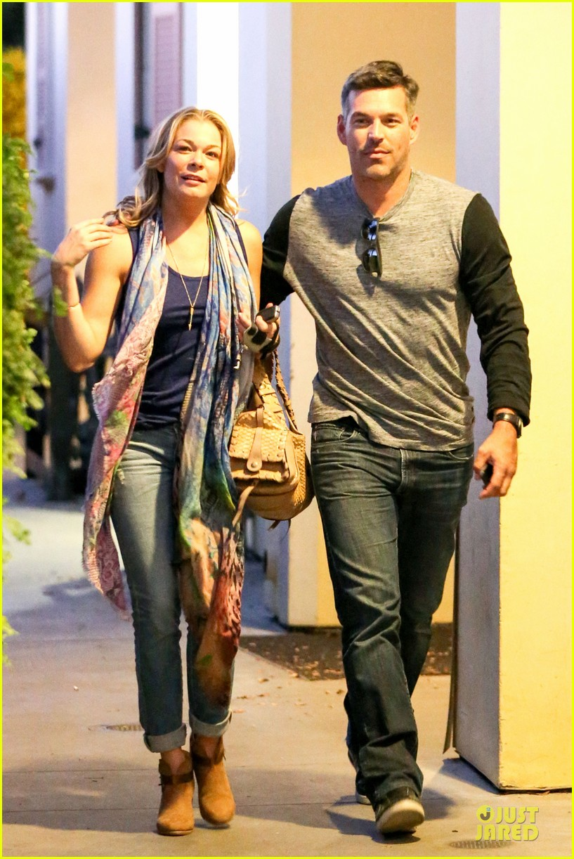 leann rimes sushi dinner date with my man eddie cibrian 07