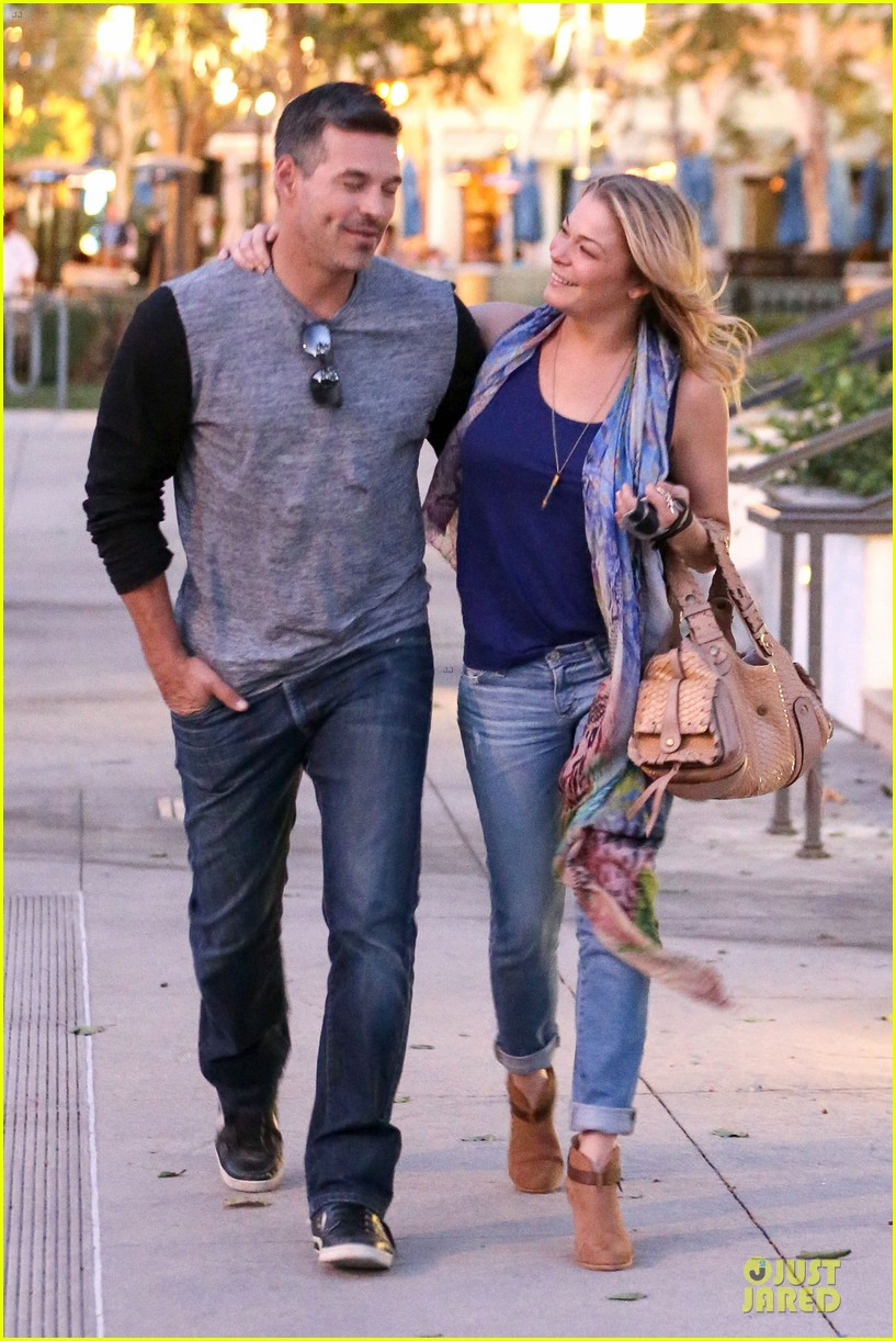 leann rimes sushi dinner date with my man eddie cibrian 08