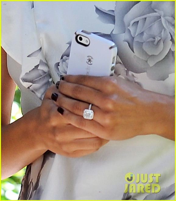 naya rivera goes wedding dress shopping with kevin mchale 06