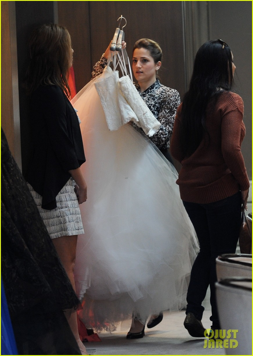 naya rivera goes wedding dress shopping with kevin mchale 142970796