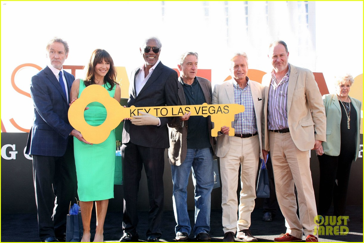 robert de niro michael douglas las vegas cast honored with key to the city 052975894