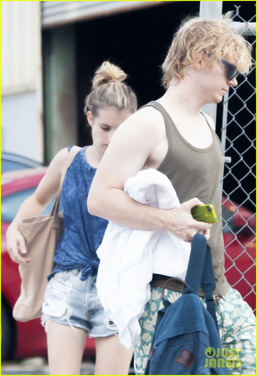 emma roberts evan peters new american horror story tonight 022973040