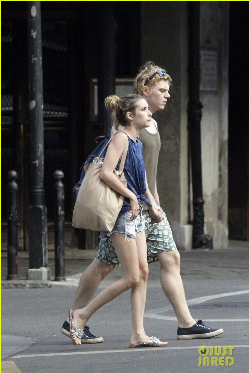 emma roberts evan peters new american horror story tonight 062973044