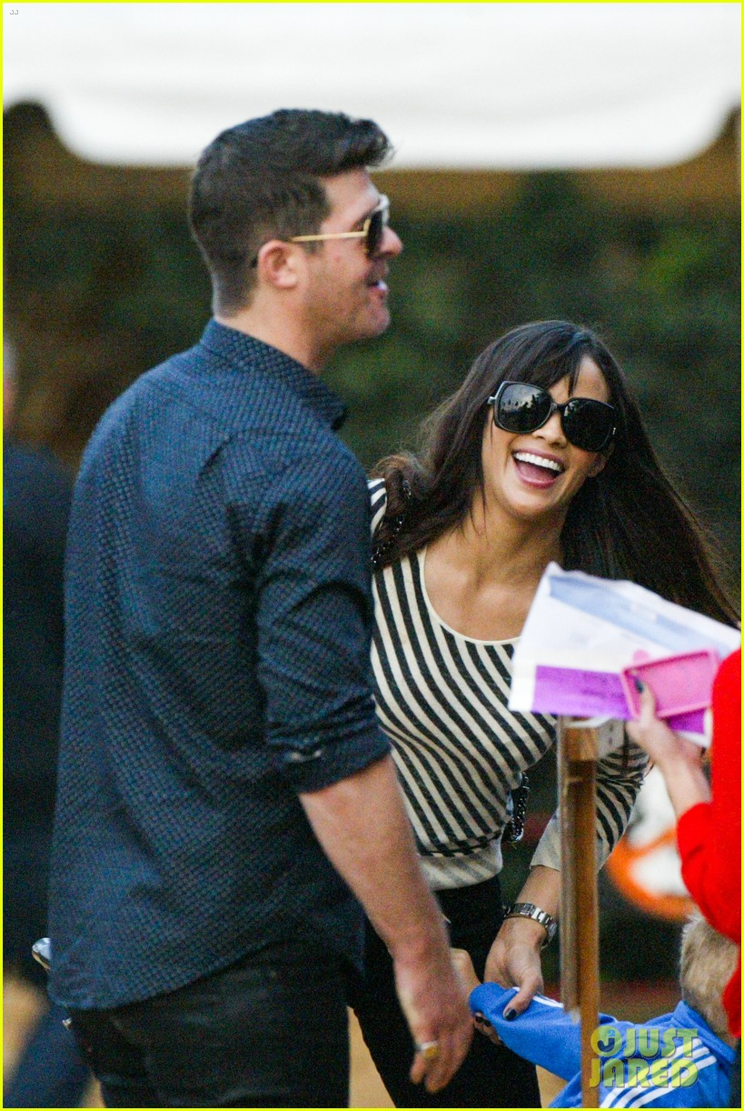robin thicke paula patton smooches pumpkin patch 242981003