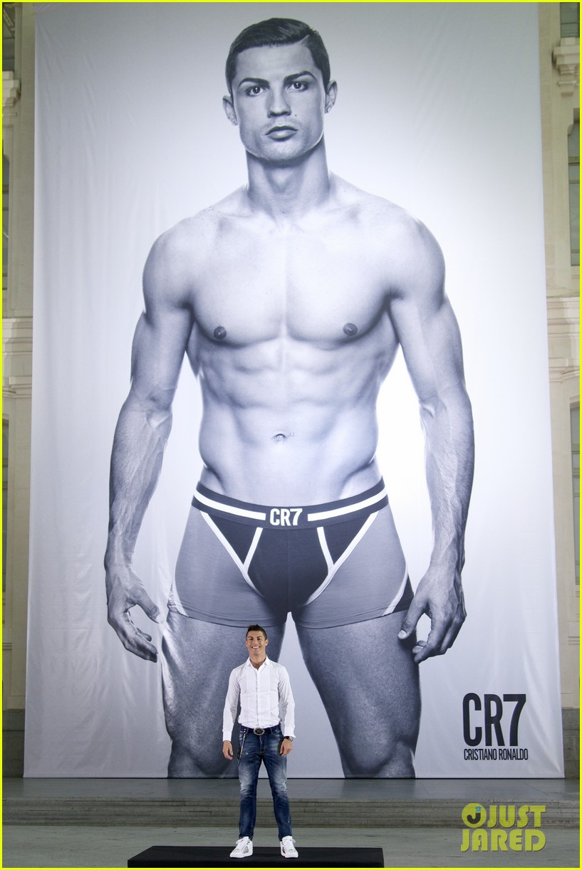 cristiano ronaldo launches underwear line shows buff body in ad 01