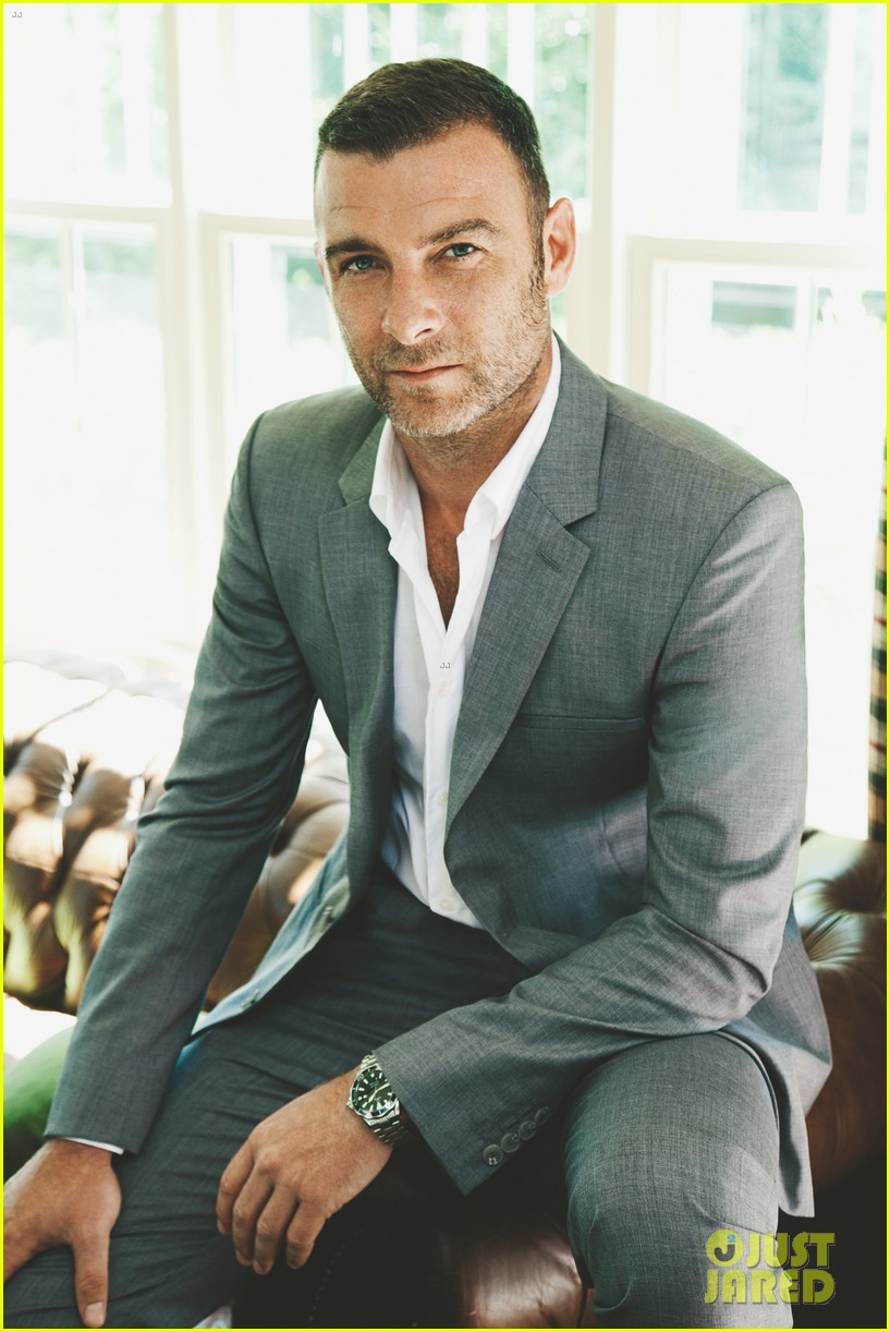 liev schreiber covers cigar aficionado nov dec 2013 03