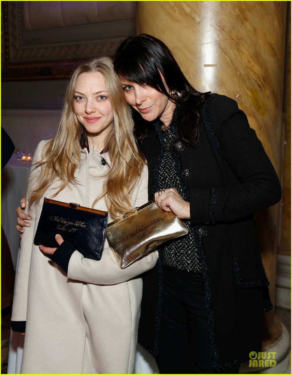 amanda seyfried justin long celebrity charades benefit gala 242982106