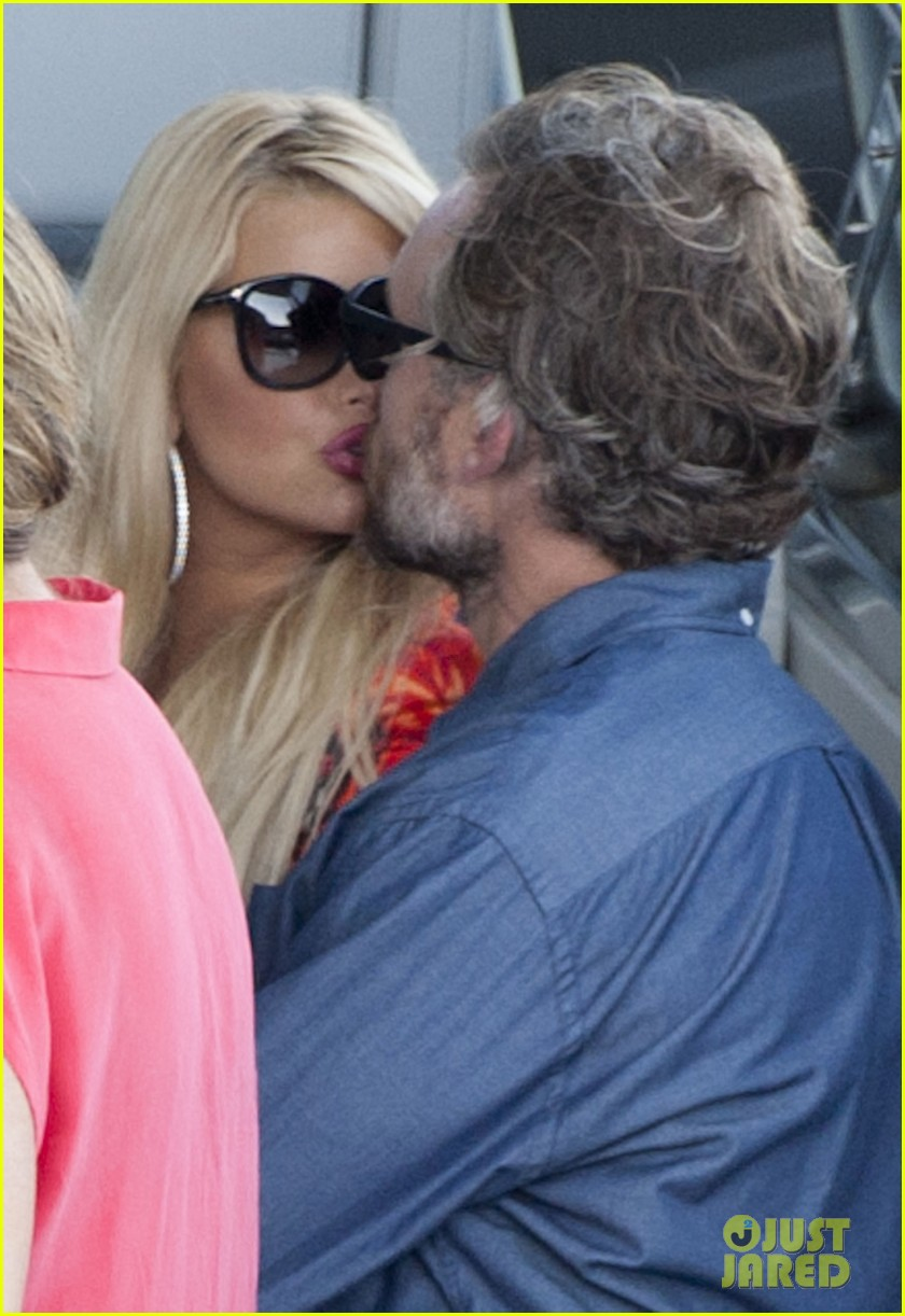 jessica simpson eric johnson continue wedding scouting 05