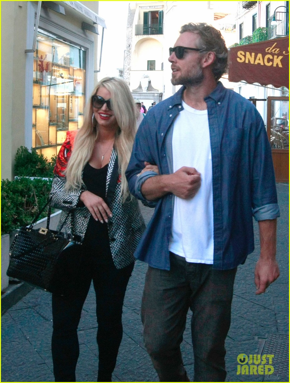 jessica simpson eric johnson continue wedding scouting 082973694