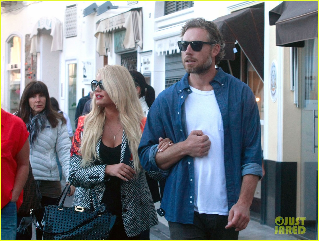 jessica simpson eric johnson continue wedding scouting 102973696