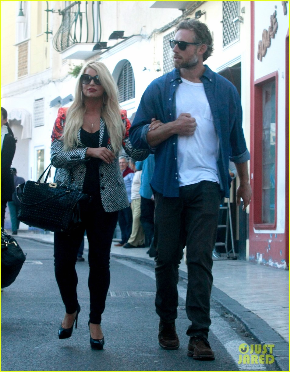 jessica simpson eric johnson continue wedding scouting 112973697