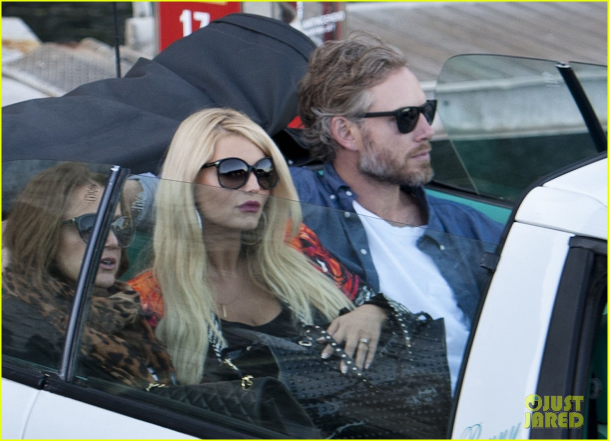 jessica simpson eric johnson continue wedding scouting 152973701