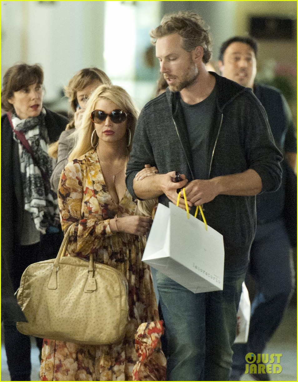 jessica simpson eric johnson in capri prepping wedding 132973240