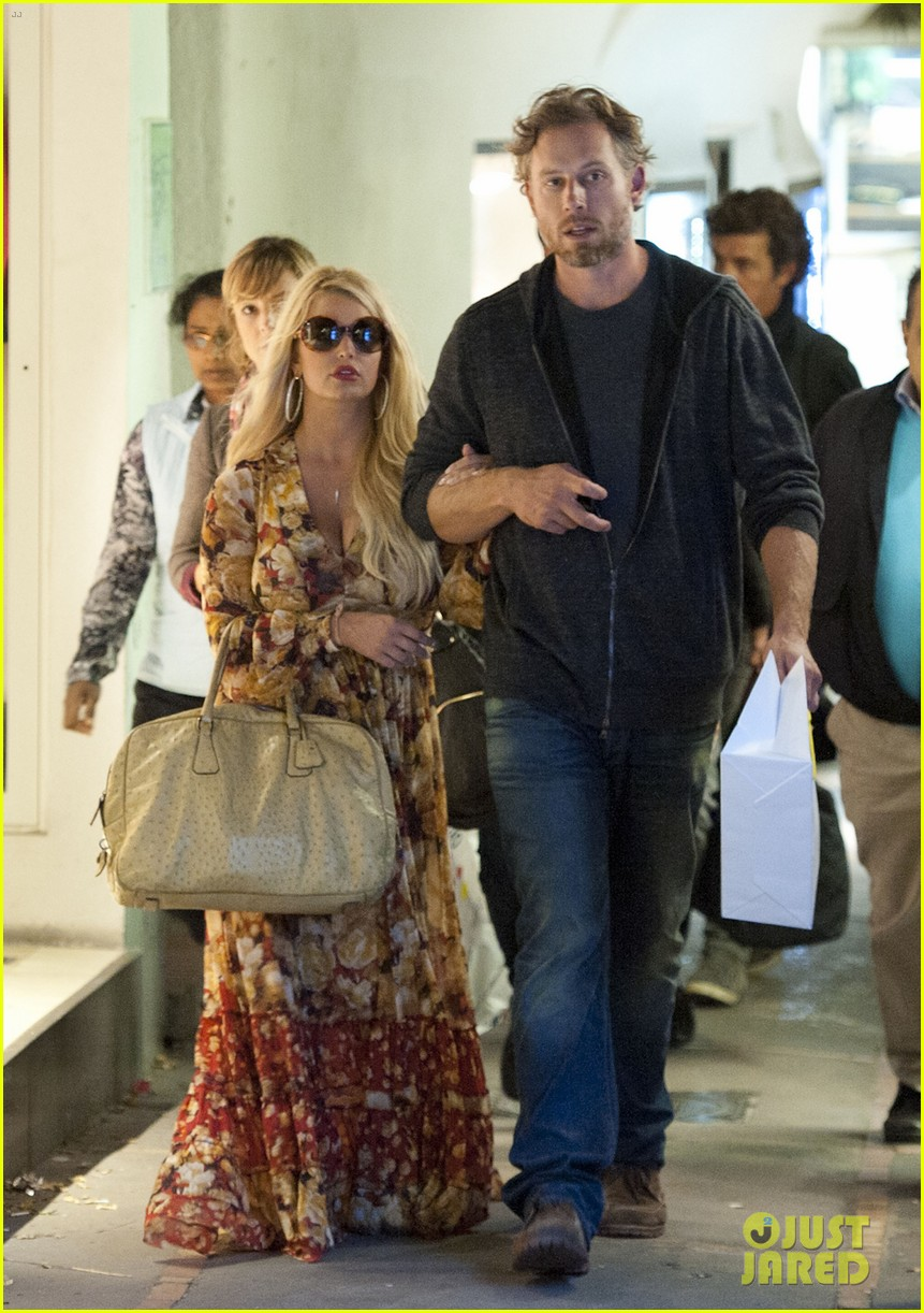 jessica simpson eric johnson in capri prepping wedding 202973247