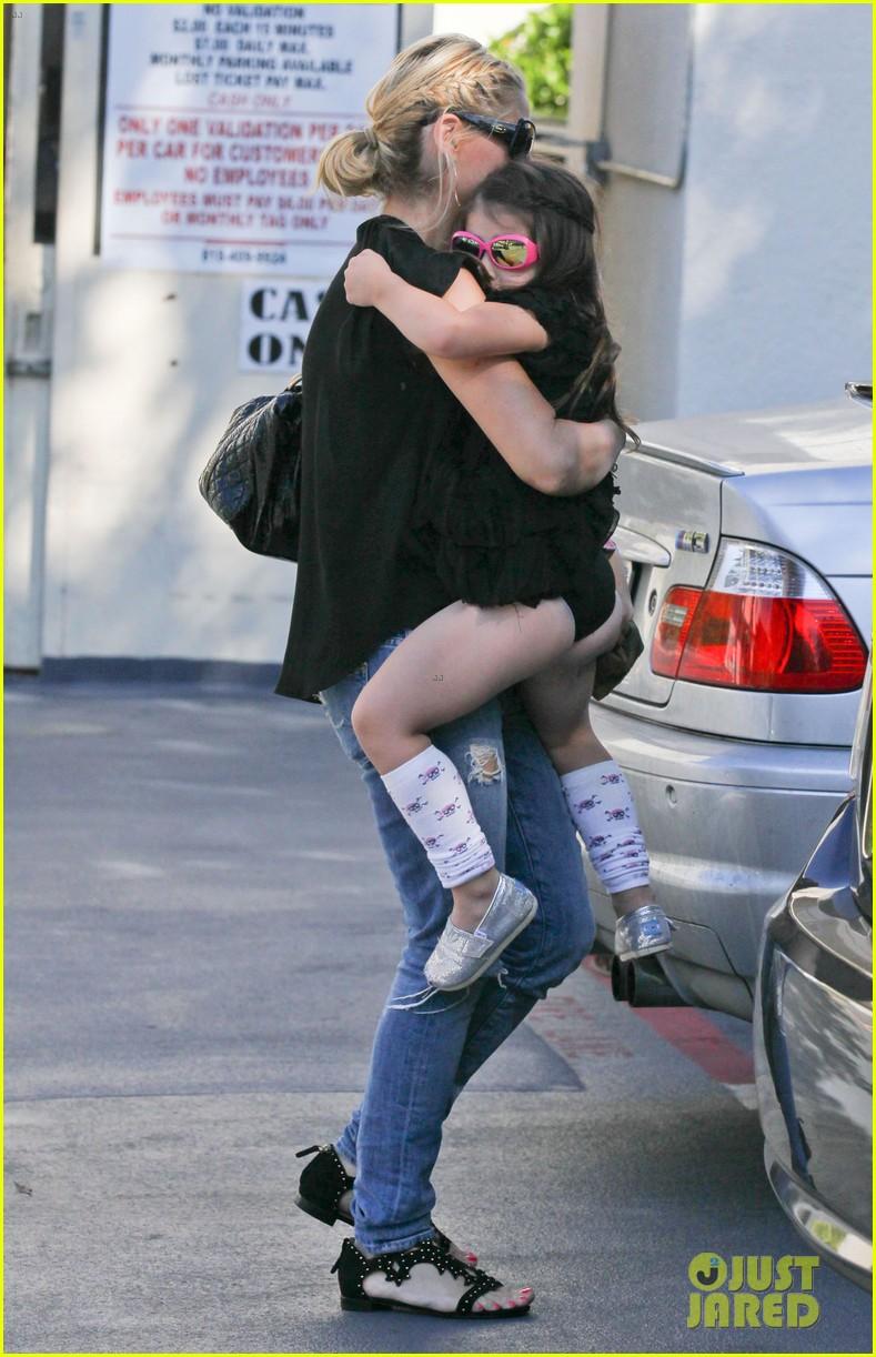sarah michelle gellar takes charlotte to ballet class 052971318