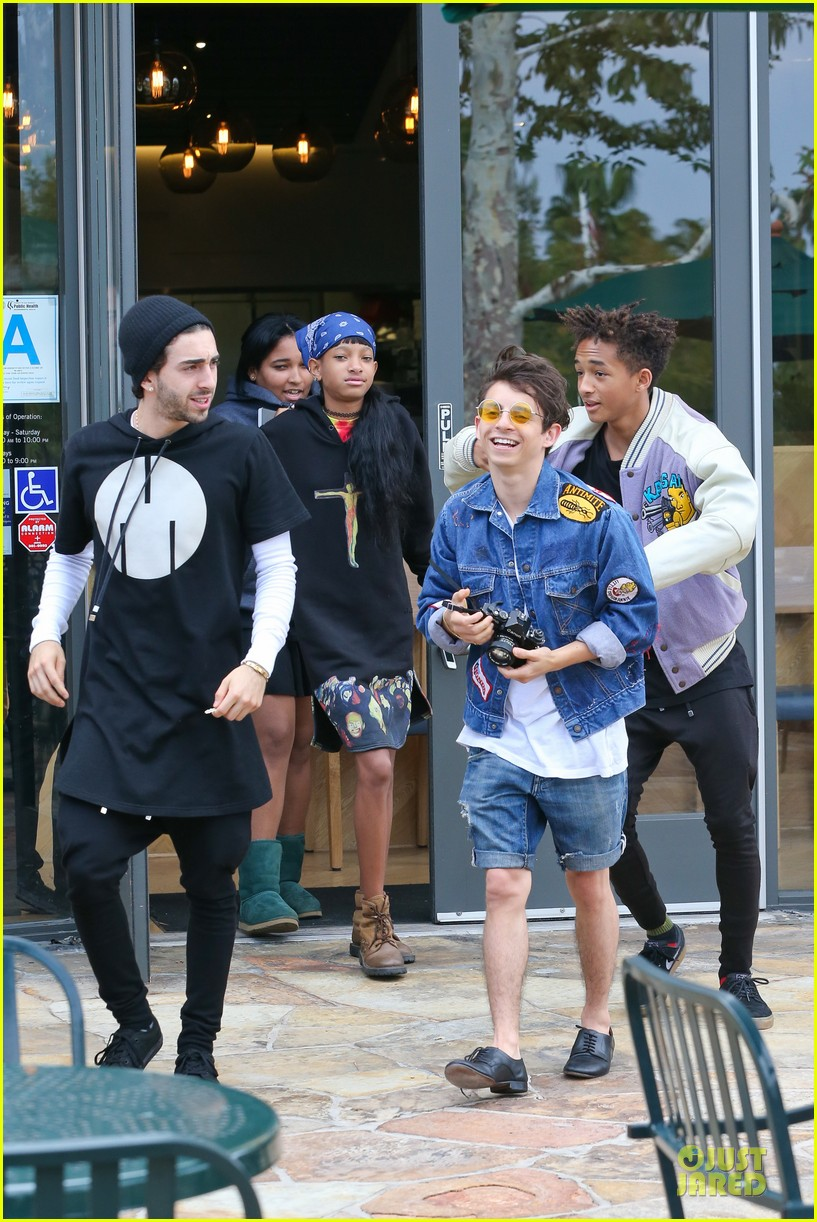 willow jaden smith sugarfish with kylie kendall jenner 212972043
