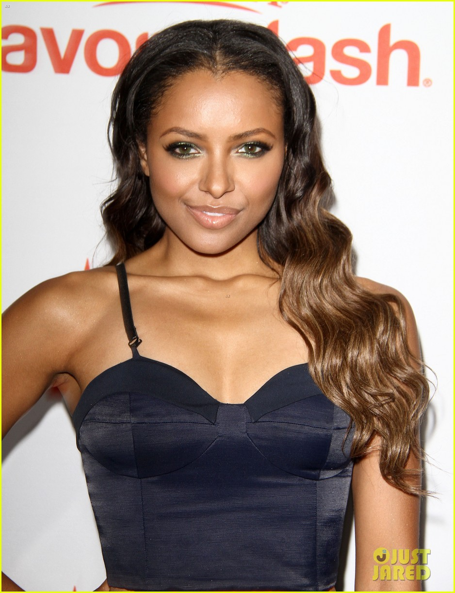 jordin sparks kat graham aquafinas flavorsplash launch 12