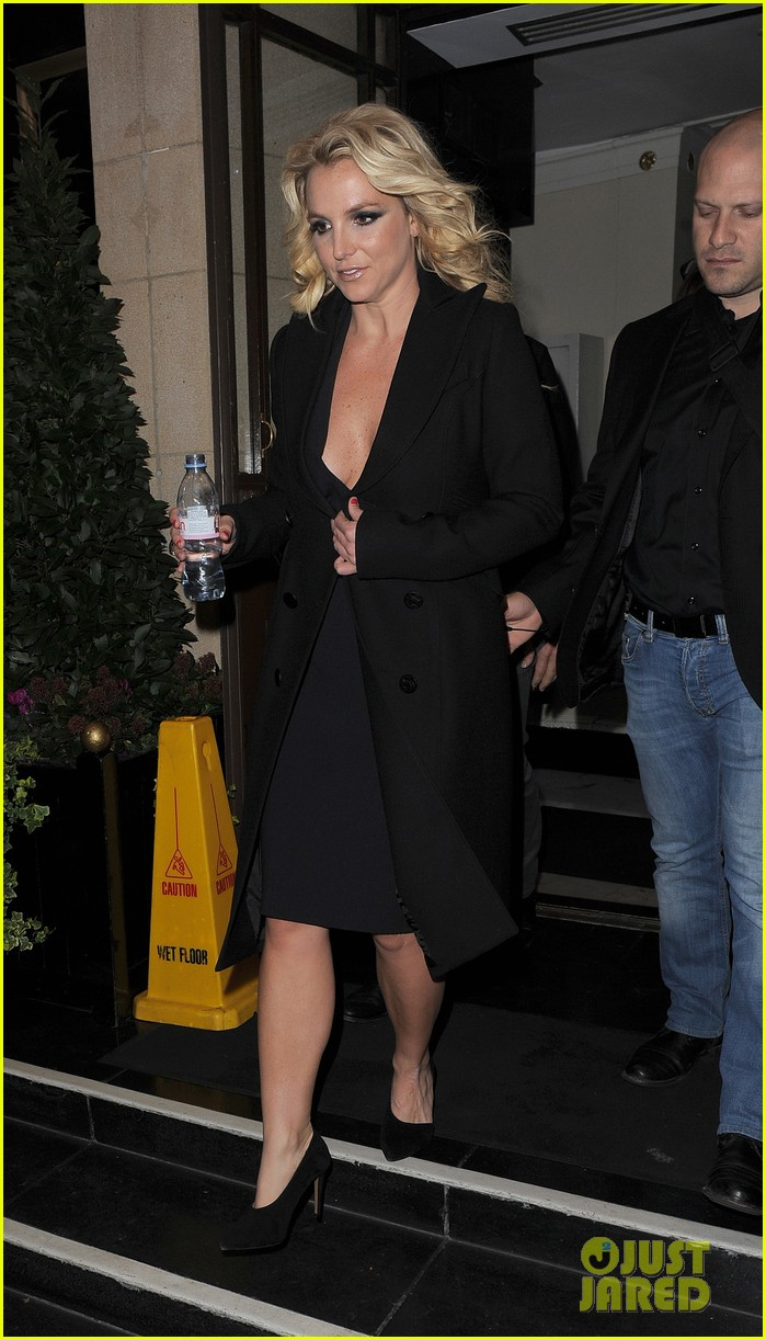britney spears tapes chatty man appearance in london 12