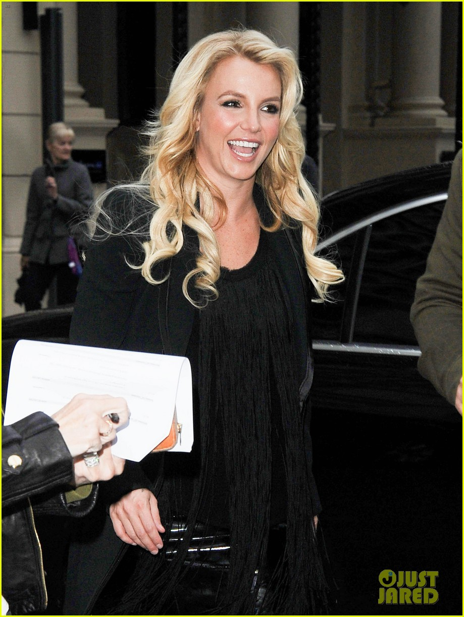 britney spears makes capital fm radio appearance in london 022971617