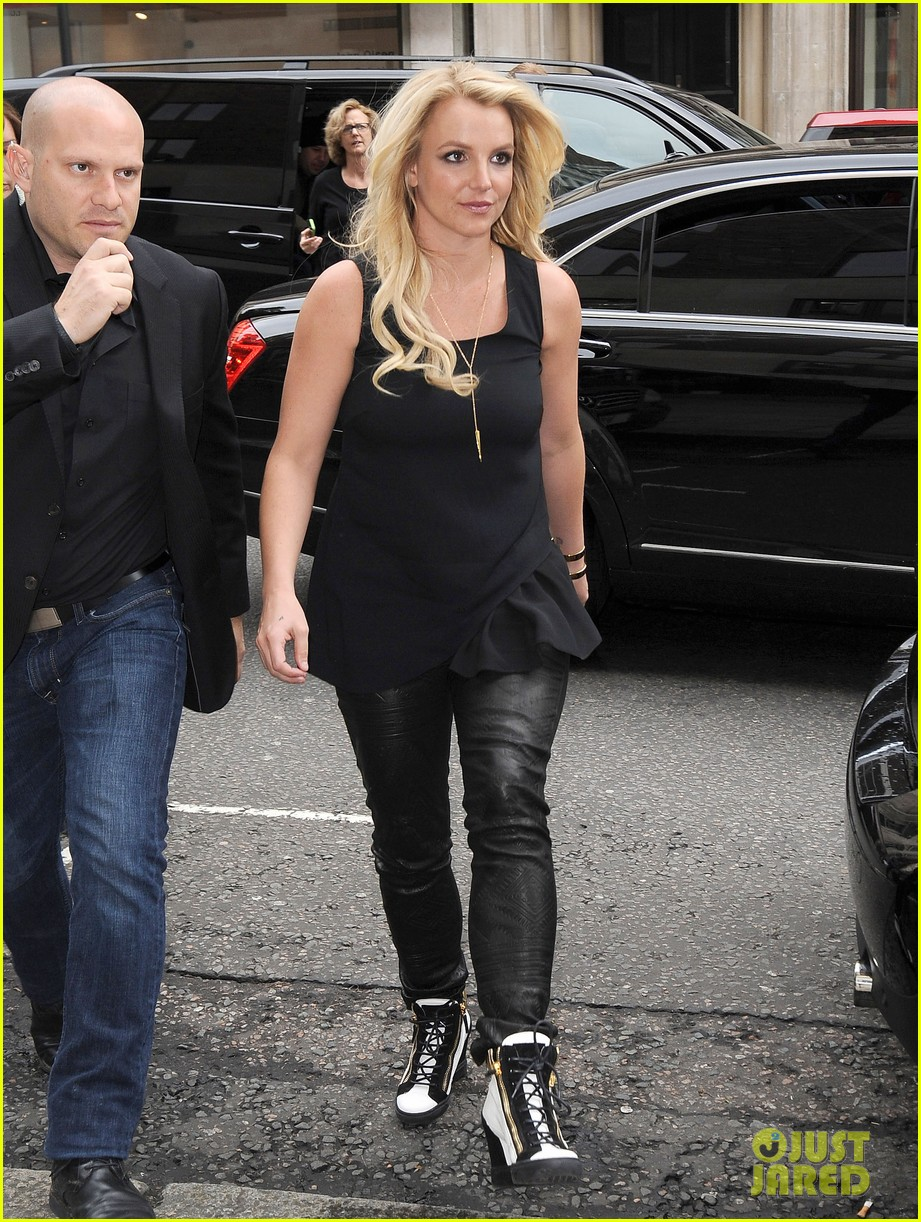 britney spears makes capital fm radio appearance in london 072971622