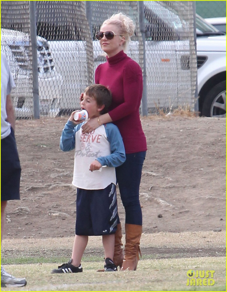 britney spears jayden soccer game with kevin federline 23