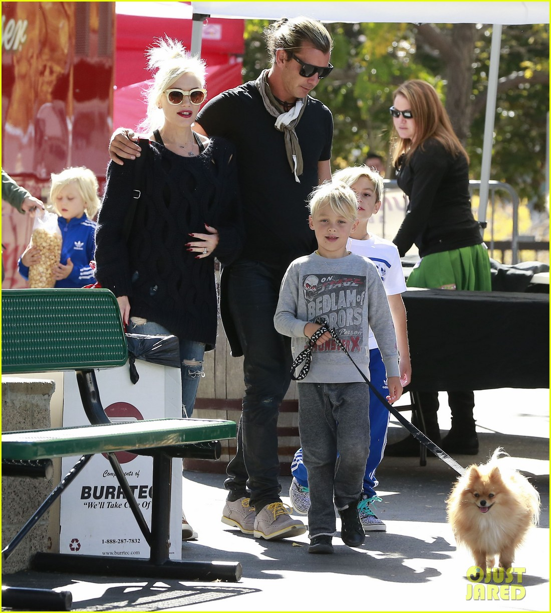 gwen stefani gavin rossdale lake arrowhead with the kids 01
