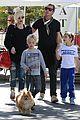 gwen stefani gavin rossdale lake arrowhead with the kids 02