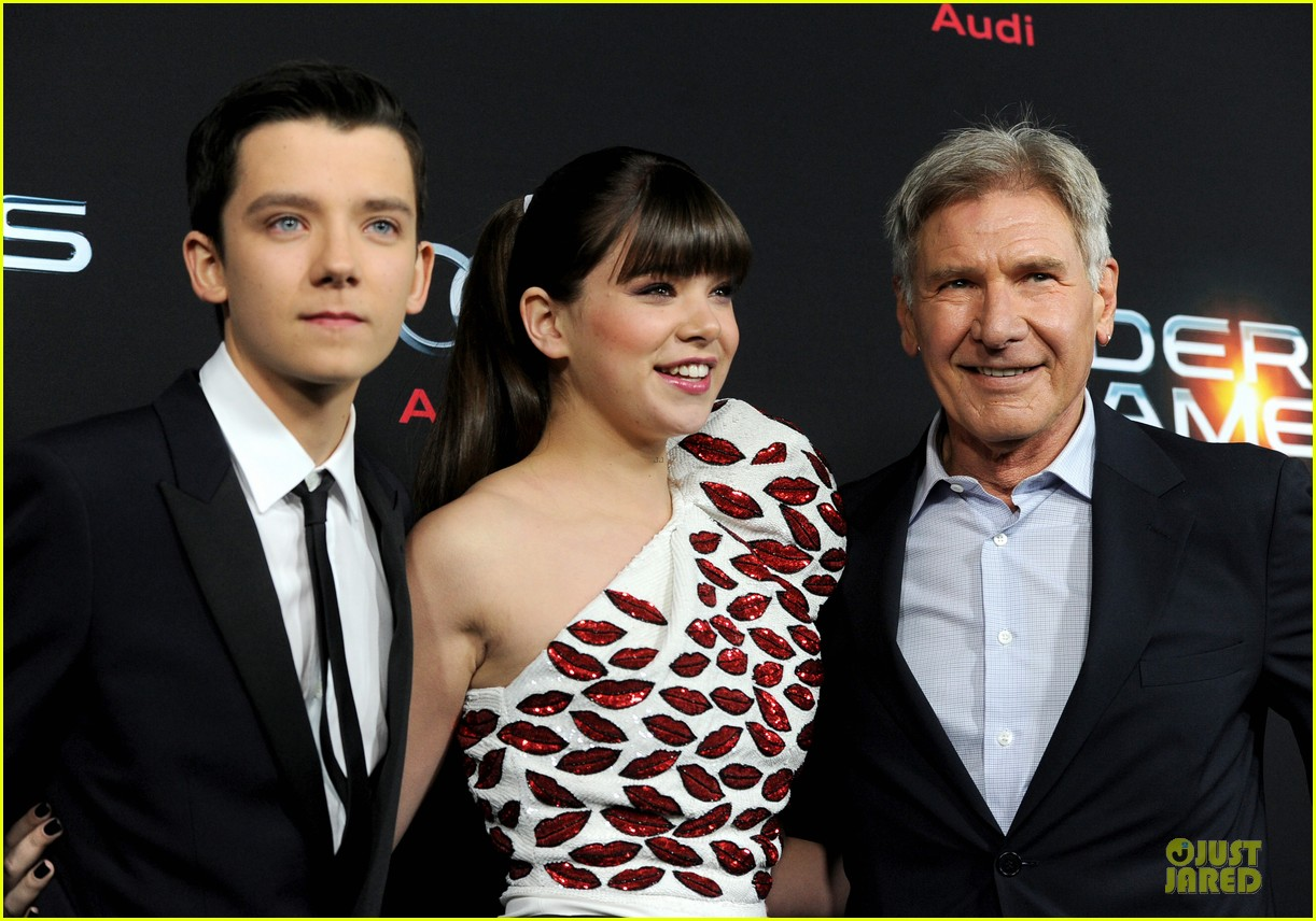 hailee steinfeld asa butterfield enders game premiere 172982068