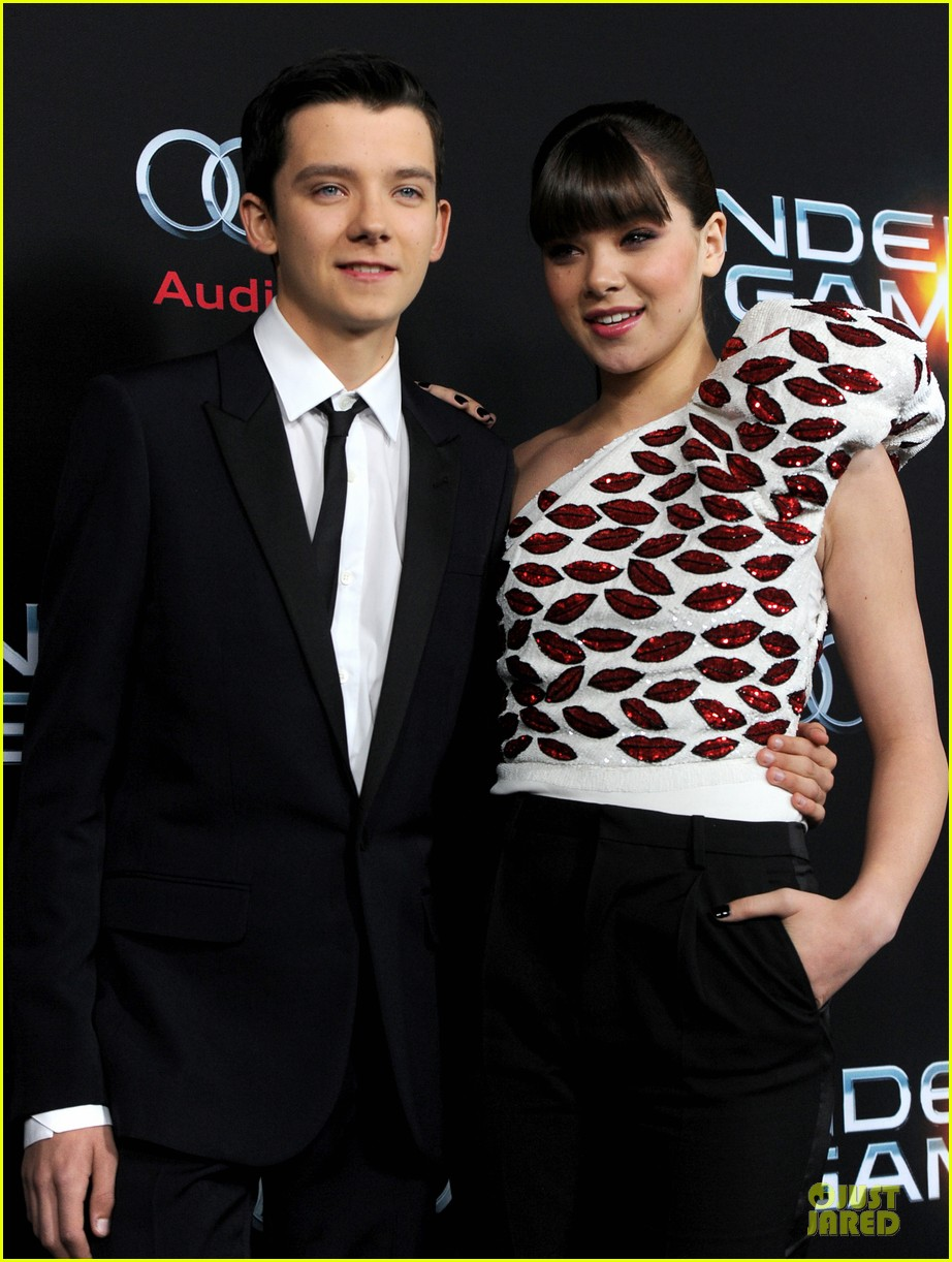 hailee steinfeld asa butterfield enders game premiere 21