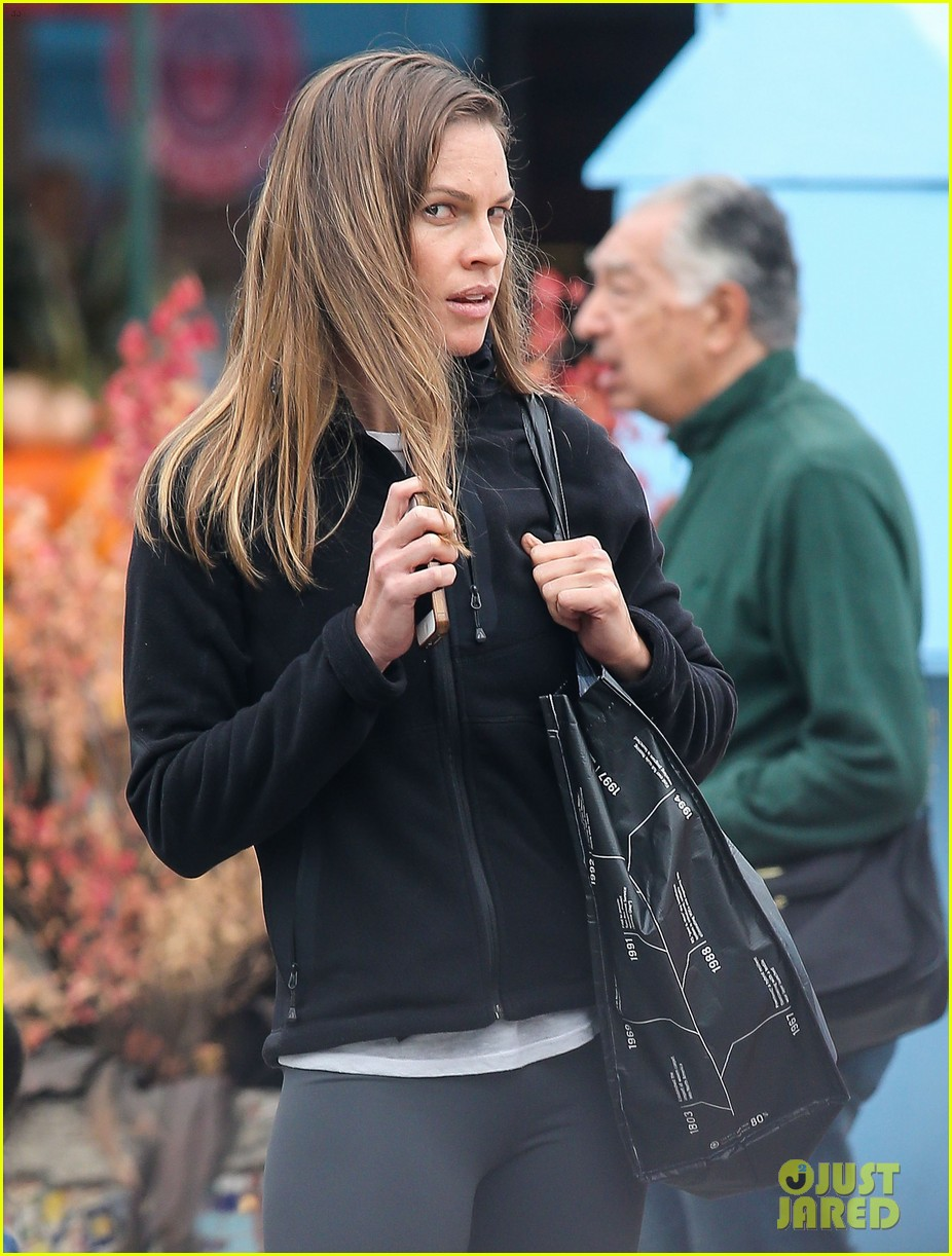 hilary swank olivia munn gods love we deliver awards 022973306