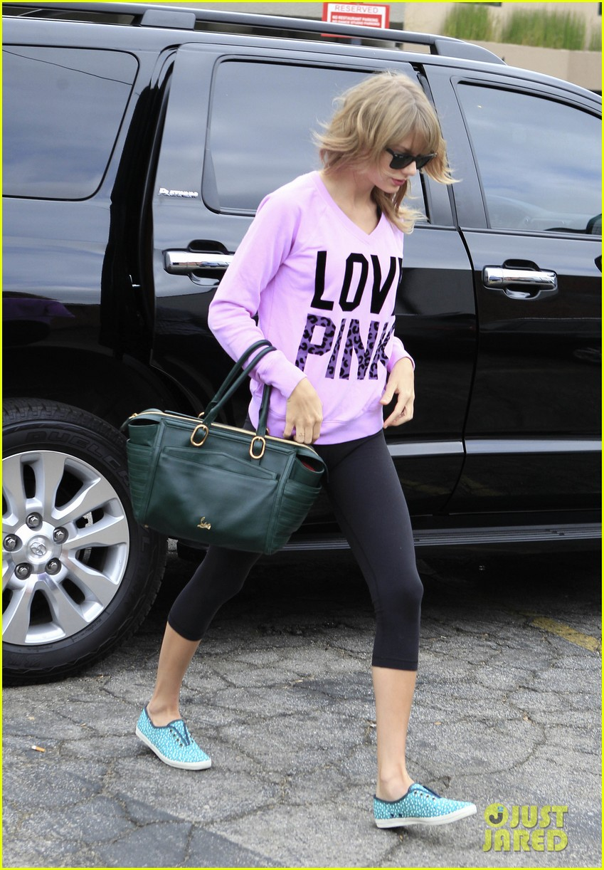 taylor swift katy perry kept lock of her hair in purse 052978432