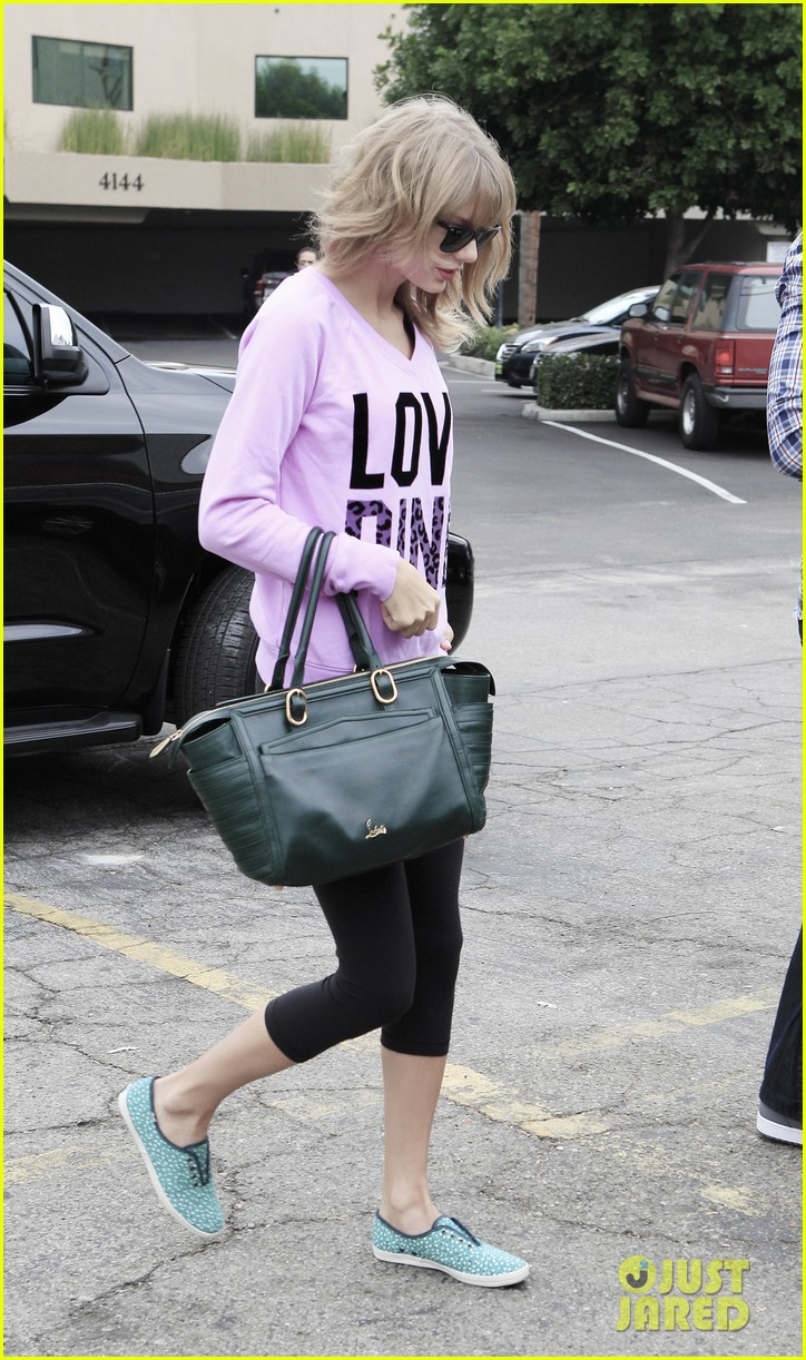 taylor swift katy perry kept lock of her hair in purse 062978433