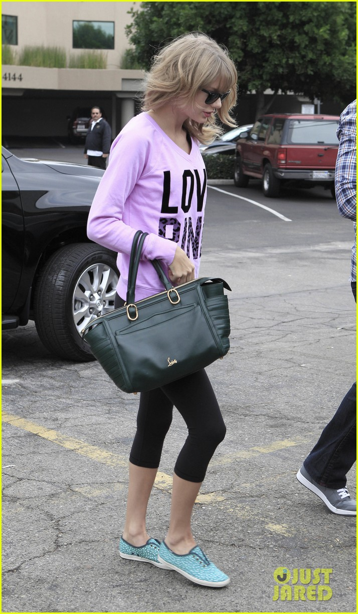 taylor swift katy perry kept lock of her hair in purse 072978434