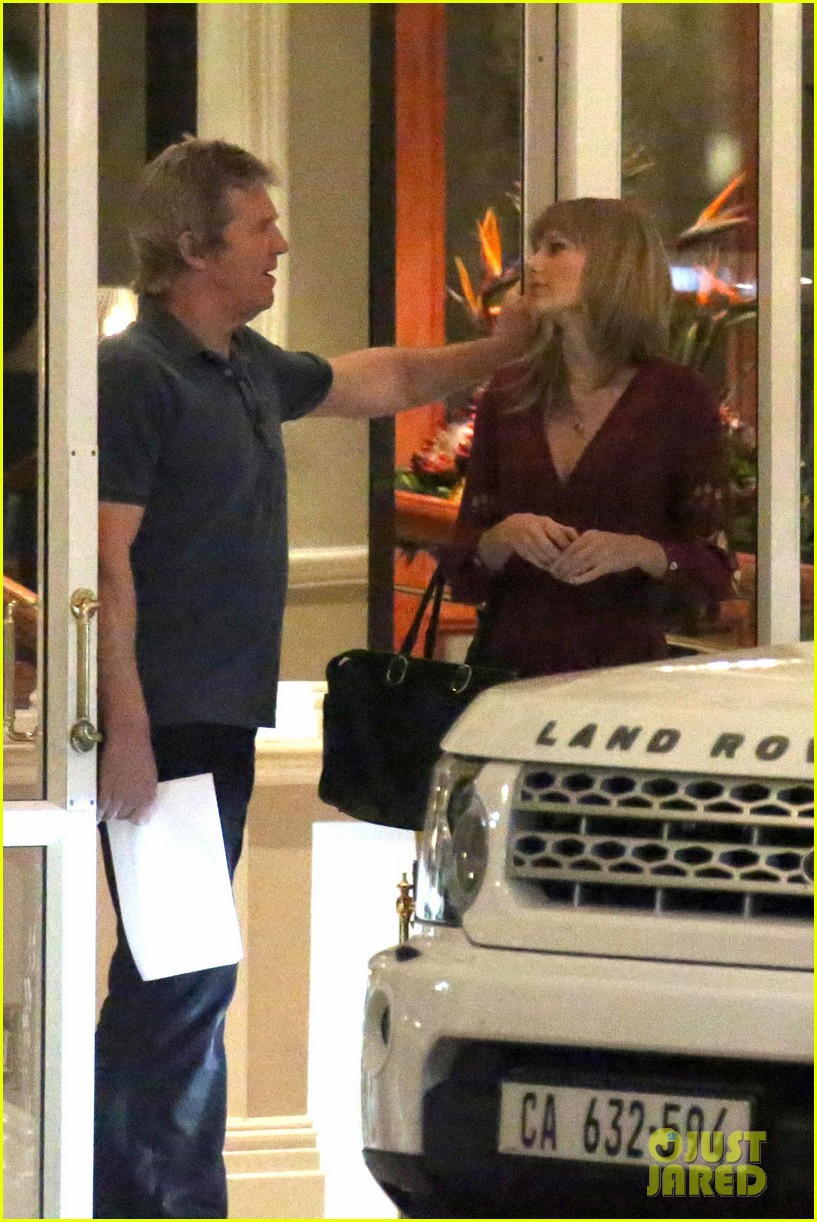 taylor swift alexander skarsgard dine with the giver cast 182976441