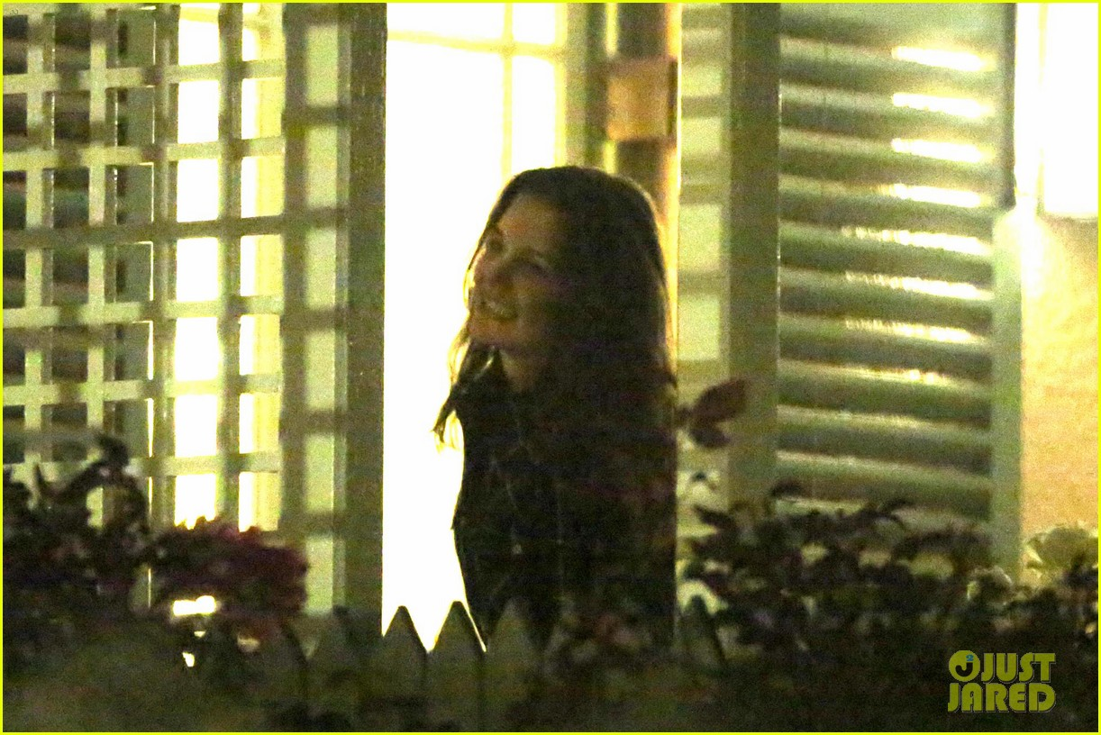 taylor swift alexander skarsgard dine with the giver cast 262976449
