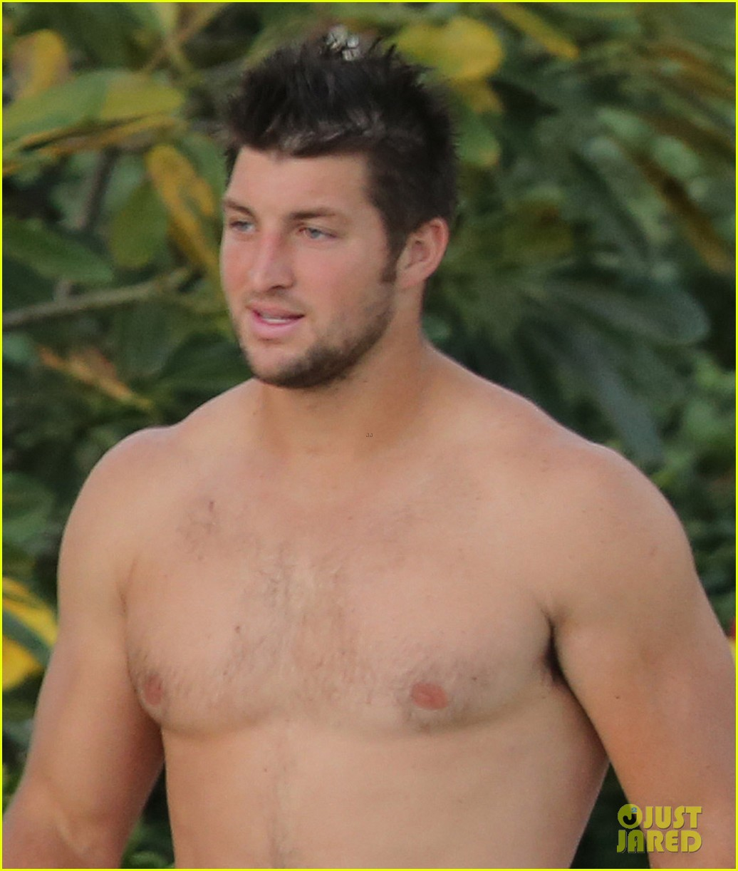 tim tebow shirtless beach stud in hawaii 072971676