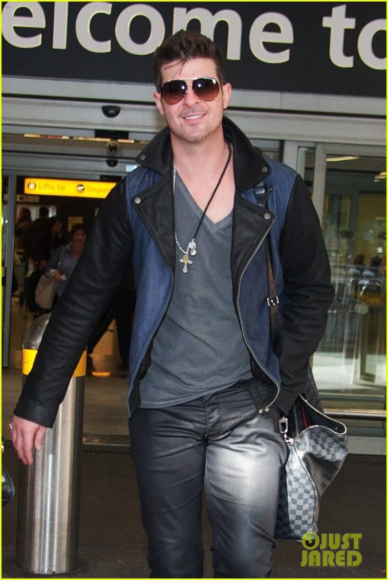 robin thicke london night out with paula patton 092976375