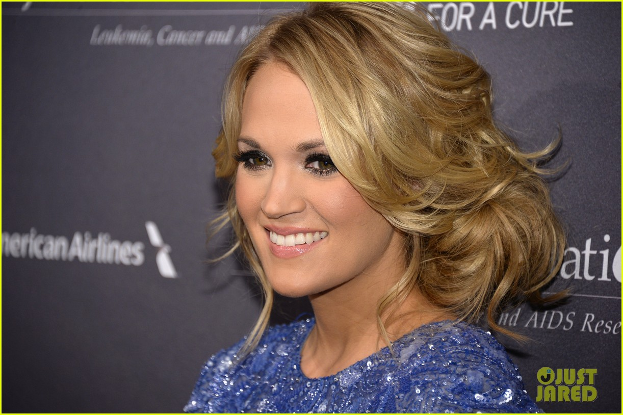 carrie underwood tj martells foundation gala 042977268