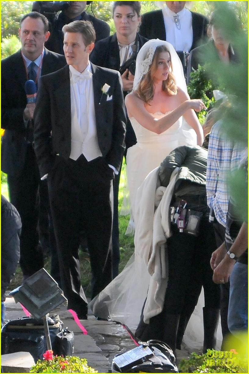 emily vancamp white wedding dress for revenge 032982601