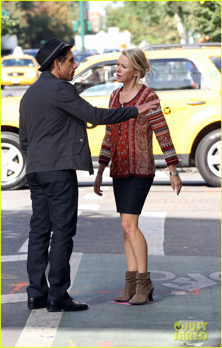 naomi watts films while liev schreiber does business 052963833
