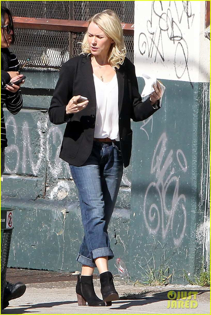 naomi watts bundles up for fall weather in new york city 082977631