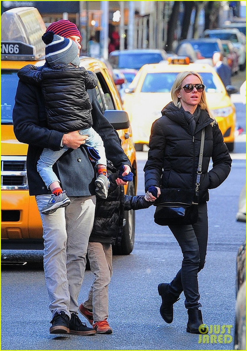 naomi watts liev schreiber early halloween with the boys 142981512
