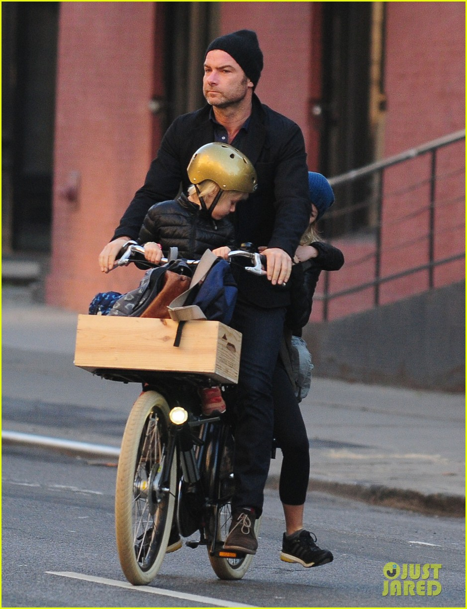 naomi watts liev screiber boys all ride on same bike 072973013