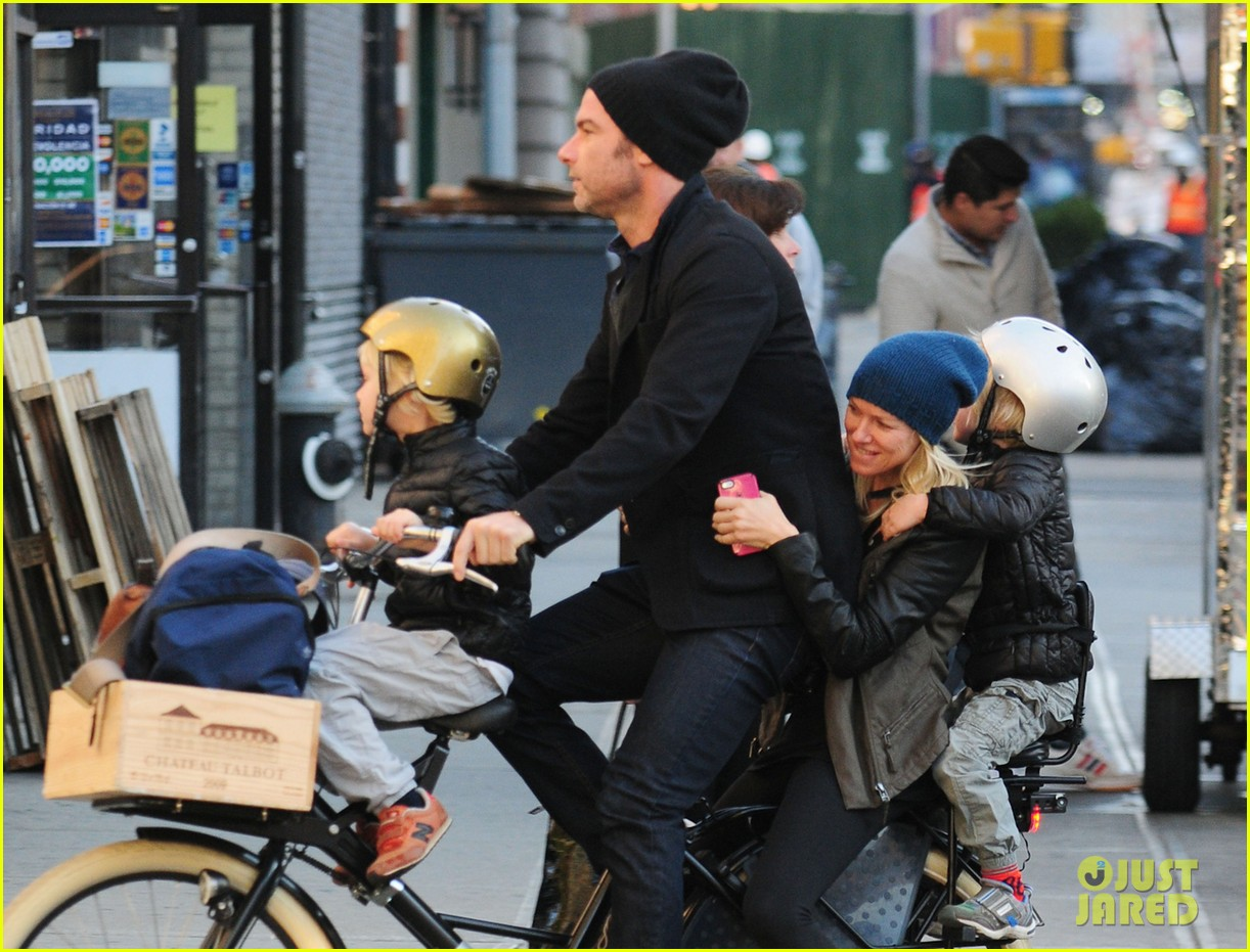 naomi watts liev screiber boys all ride on same bike 082973014
